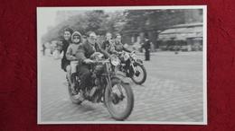 CPM ROBERT DOISNEAU MOTOCYCLISTES BOULEVARD BRUNE 1953 - Doisneau