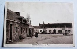 CPA Rare 29 BOLAZEC La Place Voitures Anciennes Café - Autres Communes