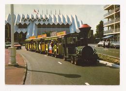 ( 85 ) LES SABLES D'OLONNE Le Petit Train Devant Le Casino De La Plage - Sables D'Olonne
