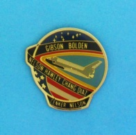 1 PIN'S //   ** GIBSON BOLDEN / HAWLEY CHANG DIAZ  / CENKER NELSON ** - Space