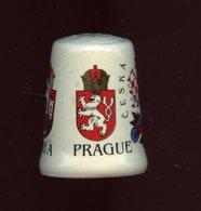 DÉ A COUDRE PORCELAINE - PRAGUE - REPUBLIQUE TCHEQUE - Thimbles