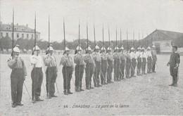 Militaria : DRAGONS : Le Port De La Lance : (au Dos Pub. Chocolat De La Grande Trappe) - Regimenten