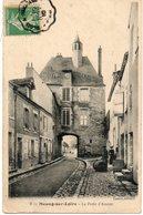 45. Meung Sur Loire. La Porte D'amont. Coin Bas Gauche Abimé - Autres Communes