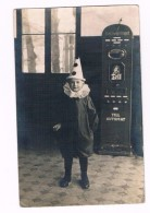 KIND-3  BOY With CARNIVAL CLOTHS Before A Hardtwig & Vogel Automat TELL-Automat)( RPPC) - Bambini