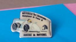 PIN'S  COURSE DE COTE  BOYEUX St JEROME 91 Auberge De  BUFFIERES - Badges