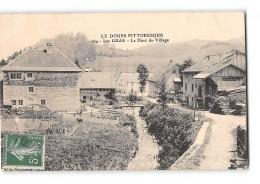 CPA 25 Les Gras Le Haut Du Village - France