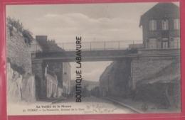 08 - FUMAY--La Passerelle--Avenue De La Gare - Fumay