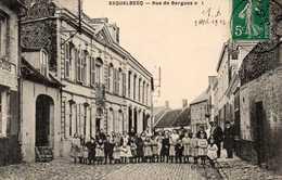 ESQUELBECQ - Rue De Bergues N° 1, Animée - Non Classés