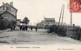 ESQUELBECQ - La Gare, Animée - Unclassified