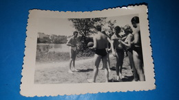 Photo 10X7 Hommes En Maillot - Personnes Anonymes