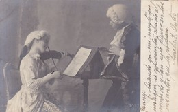 PAREJA COUPLE BARROQUE THEME PROFESOR STUDENT MUSIC VIOLIN ROMANTIQUE.CIRULEE.-BLEUP - Koppels
