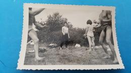 Photo 9X6 Jeune En Maillot Ris Orangis Juin 57 - Personnes Anonymes
