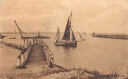 ZEEBRUGGE - Entrée Du Port - Zeebrugge