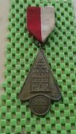 Medaille / Medal - Medaille -pin -  Hermandad G.H. Ter Horst Wandeltocht. Deventer - Netherland