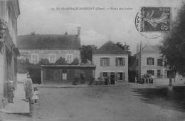 St Martin D'Auxigny : Place Des Labes - Frankrijk