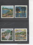 GUINEE -Paysages Divers : Iles De Loos, Chutes De Tinkisso, La Trompe D'éléphant à Kakoulima, Bord De Mer à Ratoma - Guinee (1958-...)