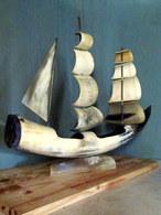 BATEAU En CORNE Ship Boat Schiff Horn Marine Voile Navy Sail Seewesen Segel Déco Décoration (54 Cm) ! - Art