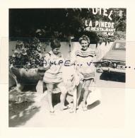 Photo (1967) : SAINT-TROPEZ (83, VAR), En Route Pour La Bouillabaisse Plage, Hôtel La Pinède, Restaurant, 2 Scans - Lieux