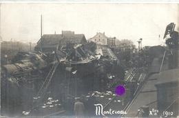 SEINE ET MARNE - 77 - MONTEREAU - Photo Carte - Catastrophe Ferroviaire Septembre 1910 - Petite Pliure BD - Gares - Avec Trains