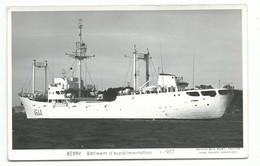 Carte Photo Bateau Marine Nationale Militaire A 644 Berry Batiment D Experimentation 1-1977 Marius Bar Equipage - Guerre