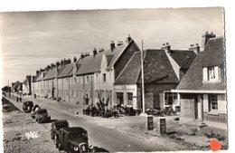 24155-LE-80-LE HOURDEL-Rue Principale-----------animée-voitures Dont 2 CV - Le Hourdel