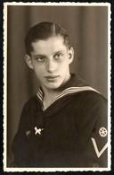 B3808 - Porträt - Soldat Matrose Uniform Abzeichen - 2. WK WW - Lindemann Nippes Köln - Guerre 1939-45