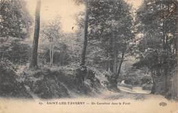 VAL D'OISE 95  SAINT LEU  TAVERNY  UN CARREFOUR DANS LA FORET - Saint Leu La Foret
