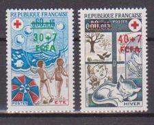 REUNION              N° YVERT   431/432  NEUF SANS CHARNIERES  ( N 395 ) - Reunion Island (1852-1975)