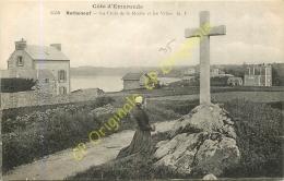 35. ROTHENEUF . La Croix De La Roche Et Les Villas . - Rotheneuf