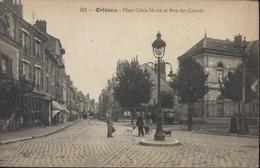 CPA Orléans Place Croix Morin Et Rue Des Carmes Animée Personnages Chiens 702 - Orleans