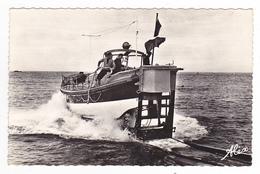 50 La Hague N°601A Goury Vers Cherbourg Le Canot De Sauvetage Victoire Des Alliés En 1966 VOIR DOS édit Charles Hamel - Cherbourg