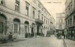 14. - NIMES - L'Hôtel De Ville - Nîmes