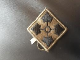 Insigne 4 Th Division US - Equipment