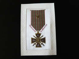 CARTE MILITAIRE BRODEE   HONNEUR AUX BRAVES - Embroidered