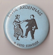 PIN'S - REVEIL ARDENNAIS - STAVELOT - Associations
