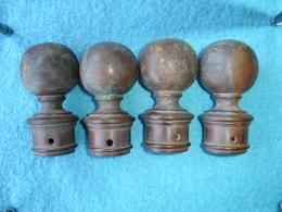 Ancienne Boule De Lit, De Chenets Ou Rampe D'Escalier, Lot De 4 Boules En Laiton Massif (18-1403) - Furniture