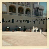Photo (1967) : MONACO, Le Palais Princier, Gardes, Canons, 2 Scans - Places