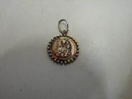 JL. 45. Petite Médaille En Argent 925. Sainte Thérèse Et L'enfant Jésus. - Pendenti