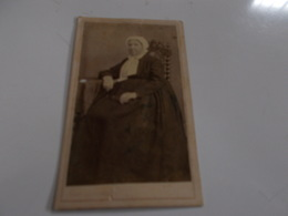 B688  Foto Cartonata Donna Cm10,5x6,5 Perreillet - Photographie