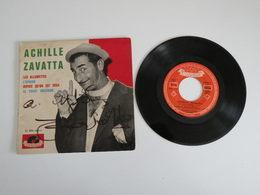 Achille Zavatta - Les Allumettes, Le Twist Militaire - L'épicier, Depuis Qu'on Est Deux  (1962) - Vinyle 45T - - Humour, Cabaret