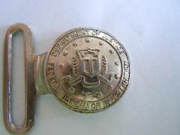Partie D'un Boucle Pour Ceinture Department Of Justice Bureau Of Investigation Diam 2,5 Cm - Jewels & Clocks