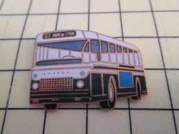 Pin113b Pin's Pins / Beau Et Rare / THEME : TRANSPORTS / BUS AUTOBUS RATP LIGNE 57 GARE DE LYON - Transportation