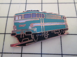 Pin113c Pin's Pins / Beau Et Rare / THEME : TRANSPORTS / LOCOMOTIVE SNCF ANNES 50/60 Par TABLO - Transportation