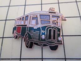 Pin113c Pin's Pins / Beau Et Rare / THEME : TRANSPORTS / AUTOBUS RATP Genre 1941/42 EXERCICE DE STYLE Par DEMONS & MERVE - Transportation