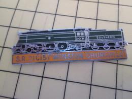 "Pin113d Pin's Pins / Beau Et Rare / THEME : TRANSPORTS / LOCOMOTIVE ""WINSTON CHURCHILL"" SR 21C151 SOUTHERN - Transports"