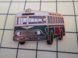 Pin113d Pin's Pins / Beau Et Rare / THEME : TRANSPORTS / BUS AUTOBUS RATP Par TABLO PARIS - Transportation