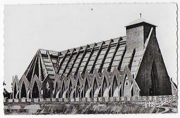 Cpa-cpsm Bon Etat ,congo Brazzaville ,  A.E.F.  La Cathédrale Sainte-anne , Timbre Courrier Voir Verso , Carte Rare - Pointe-Noire