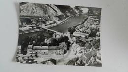 Cp  Fumay Place Briand La Meuse Et Les Carrières  Vue Générale - Fumay