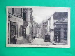 CHAMBOURCY La Grande Rue - Belle Perspective Sur Les Devantures De Magasins - Chambourcy