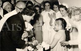 Postcard / ROYALTY / Belgique / België / Reine Fabiola / Koningin Fabiola / L'hôpital Saint Pierre / Bruxelles / 1961 - Santé, Hôpitaux